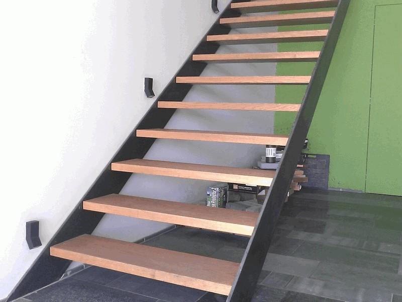 Pv - Moderne houten trap ...